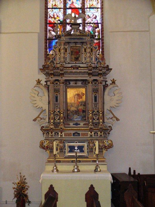 Altar von 1610 aus der Dorfkirche Jessen (1972 in die Kreuzkirche Spremberg umgesetzt)